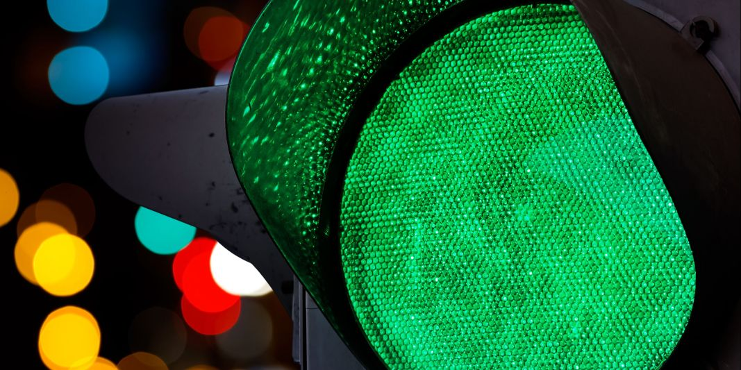 Green traffic light wallpaper