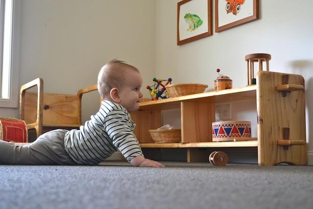 правила монтессори предметы на уровне глаз ребенка