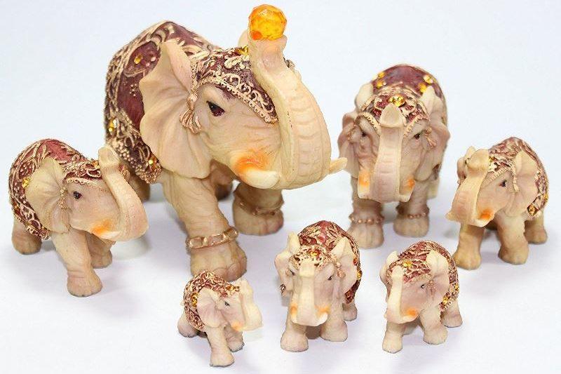 Семь маленьких слоников