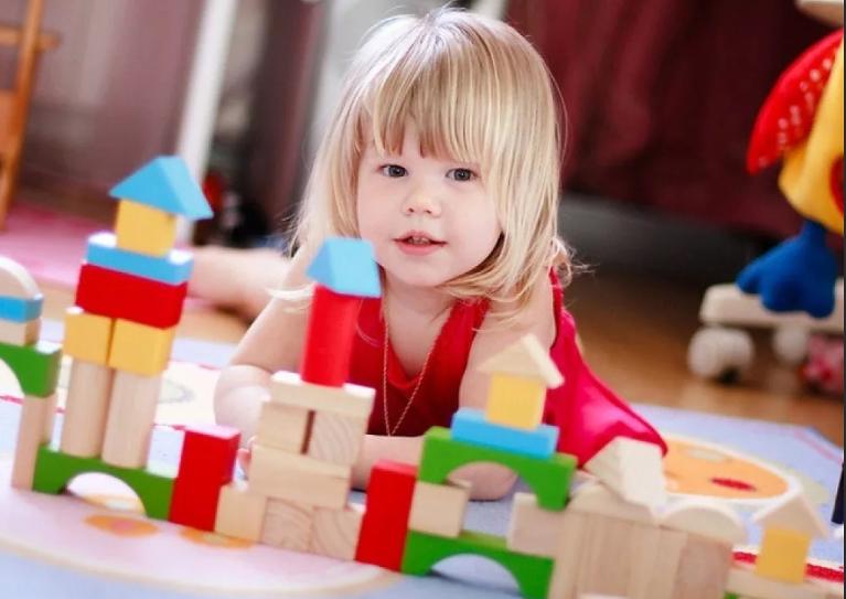 зачем играть с ребенком в кубики